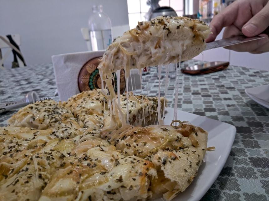 Fugazzeta – Pizza de cebola rellena